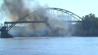 Un puente de 93 años resistió un intento de demolición